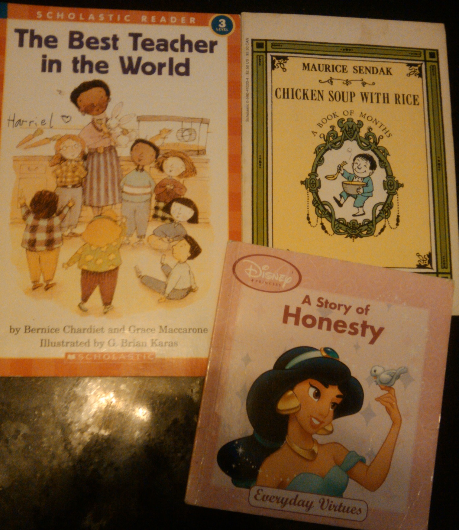 OSM! is campaigning for books to ensure children's bright future. Donations welcome.