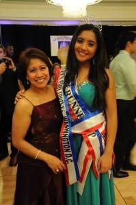 hannah delgado with mom