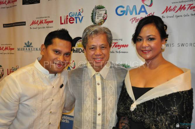 Music director international conductor Michael Dadap with Elton Lugay and Grace Labaguis (photo by Elton Lugay)