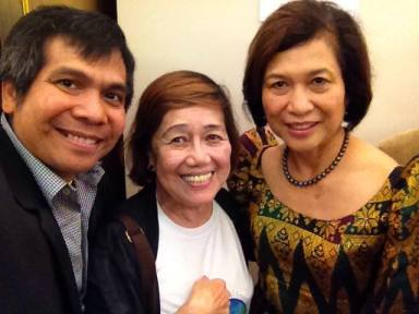 Loida Nicolas Lewis (left) with Vicky Baul and Ernie Pamolarco. (Photo by Ernie Pamolarco)